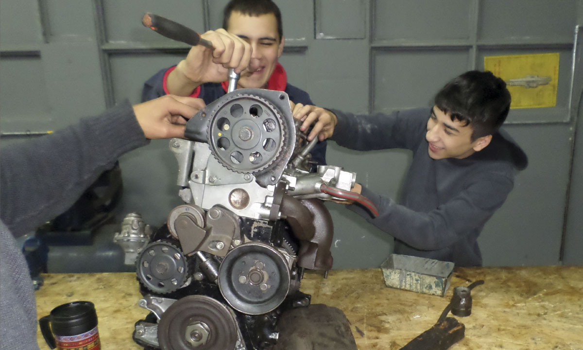 Mecánica de motores a gasolina